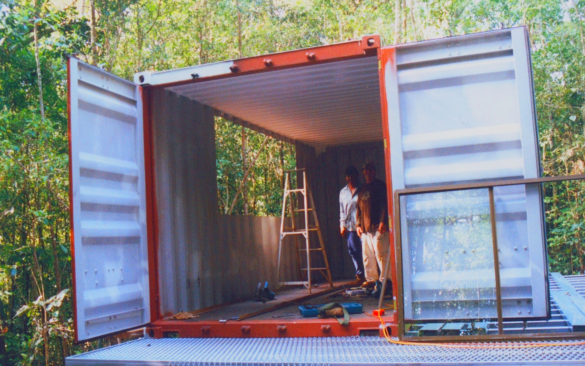 SHIPPING CONTAINER HOMEACCOMMODATION